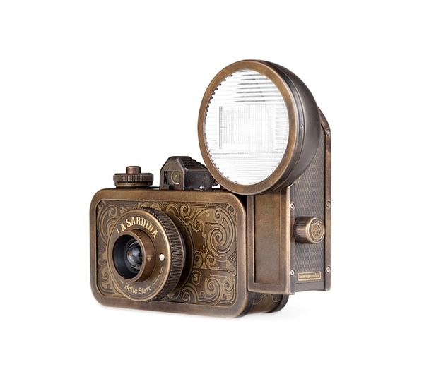 Две модели фотокамеры La Sardina