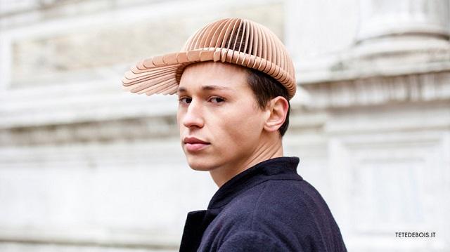 Итальянский дизайнер создал головные уборы из красного дерева