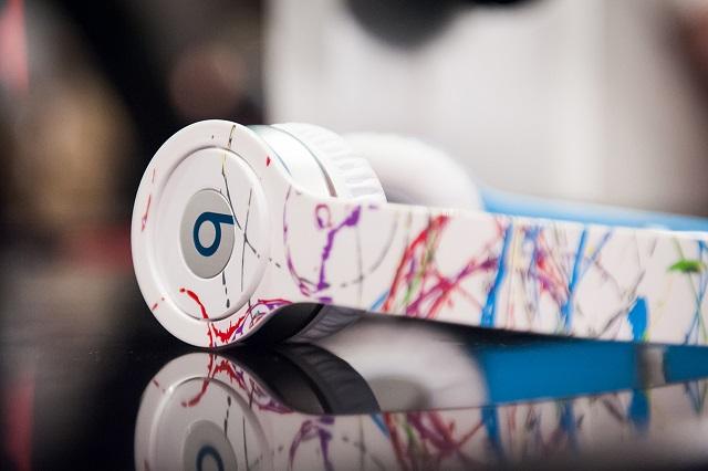 Презентация наушников от Futura x Beats by Dre