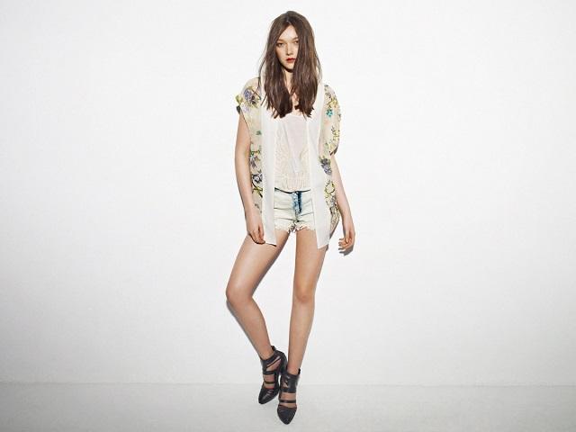 Лукбук весенне-летней коллекции одежды марки Pull and Bear