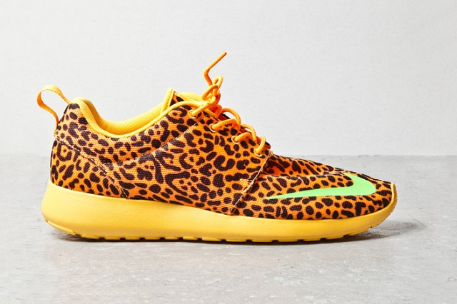 "Кроссовки Nike Roshe Run FB ""Orange Leopard"""