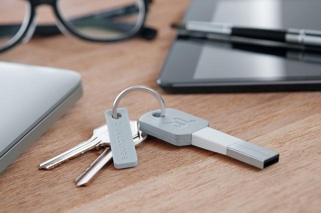 Bluelounge Kii. Lightning-ключ для экстренной зарядки iPhone и iPad
