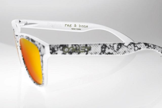 Солнцезащитные очки Rag & Bone x Oakley Frogskins