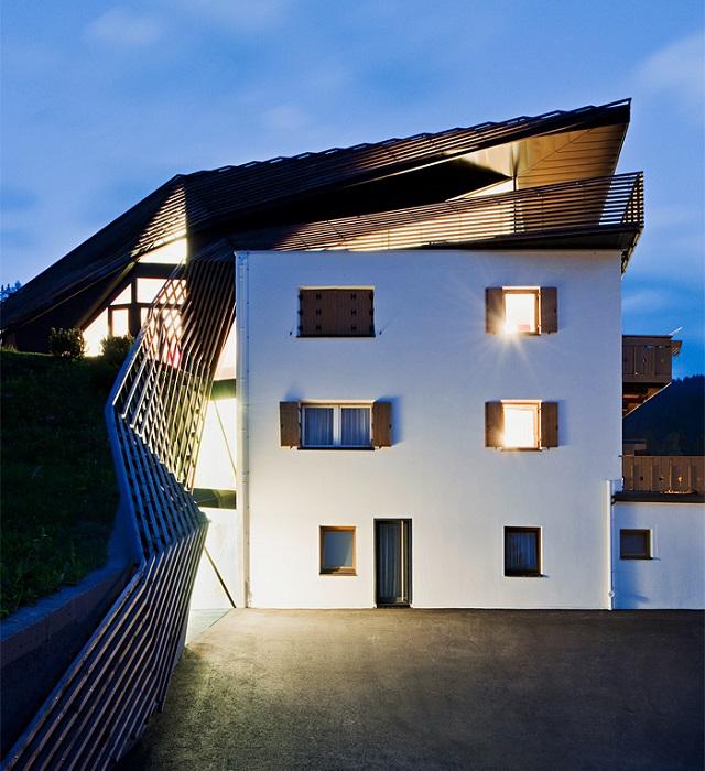 Дом в деревянной паутине от Plasma Studio