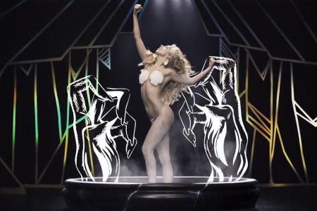 Леди Гага представила официальное видео на сингл Applause