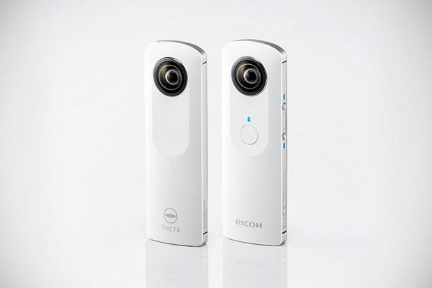 Фотокамера Ricoh Theta для съёмки сферических панорам