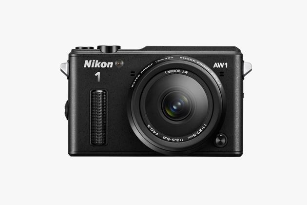 Водонепроницаемая беззеркалка Nikon 1 AW1