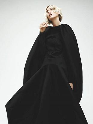 Карли Клосс в съемке для Interview