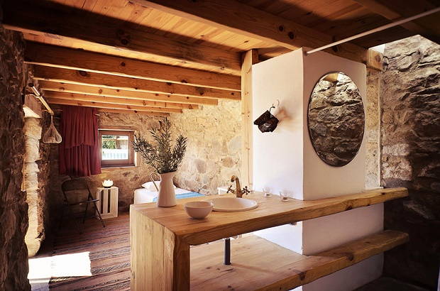Восстановление из руин каменного дома в Португалии