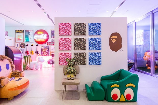 Фотографии с выставки NOWHERE / A Bathing Ape: BAPELAND