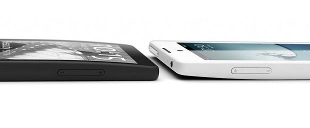 Смартфон YotaPhone с двумя экранами вышел в продажу