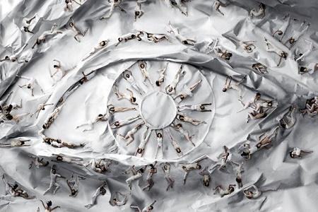 Уличный художник JR создал инсталляцию для Нью-йоркского балета