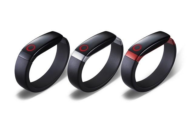 LG официально представила собственный «умный» браслет Lifeband Touch