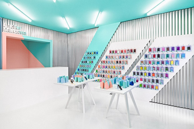 Оригинальный дизайн магазина от Masquespacio