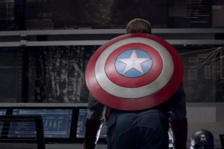 """""""Первый мститель: Другая война"""": Крис Эванс и другие в трейлере ленты"""