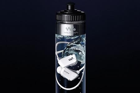Sony продаёт MP3-плееры в бутылках с водой