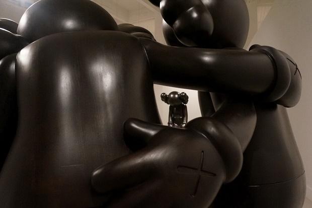 """Выставка KAWS """"Final Days"""" в Испании"""