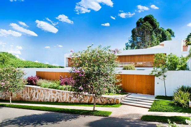 Современный дом в Бразилии от Marcelo Sodré