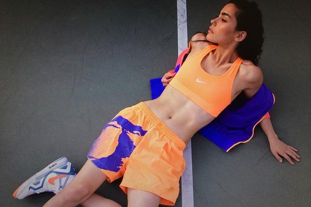 Андрианна Хо снялась в ретро-лукбуке Sweat The Style 2014