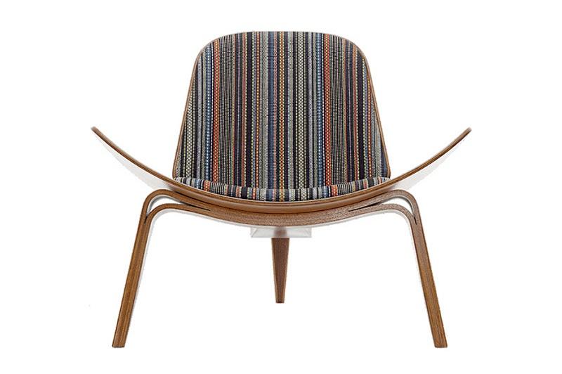 Пол Смит создал версию Shell Chair к 50-летию кресла