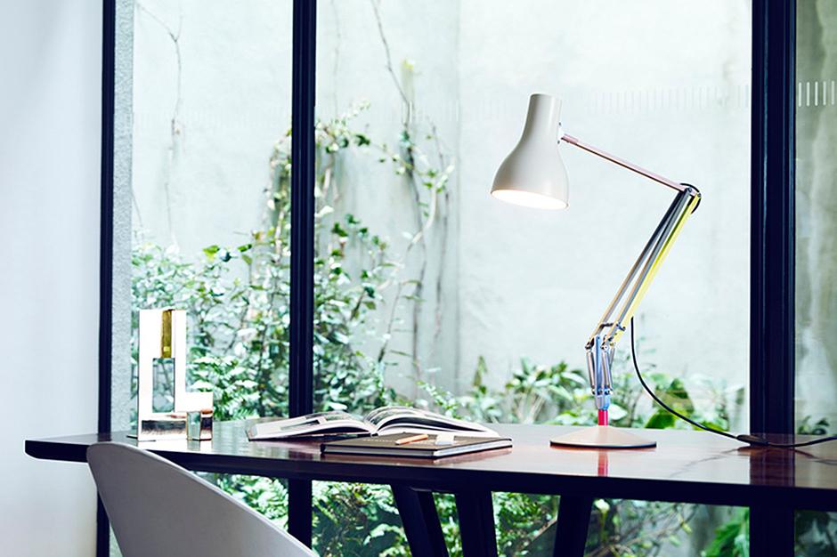 настольная лампа Anglepoise Type 75 от Пола Смита