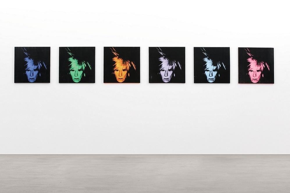 Серия из шести автопортретов Энди Уорхола продана с аукциона за $30 млн