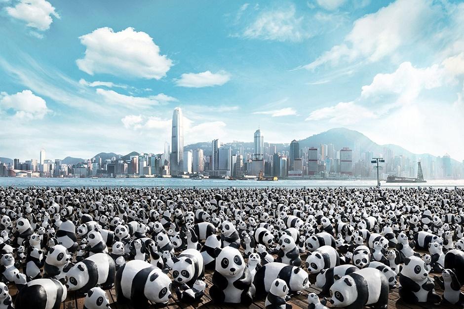 В Гонконге выставили 1600 панд из папье-маше