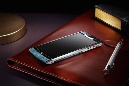 Vertu представила флагманский смартфон Signature Touch
