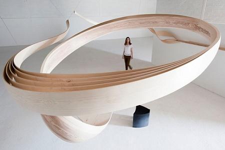 Деревянная инсталляция от Joseph Walsh Studio