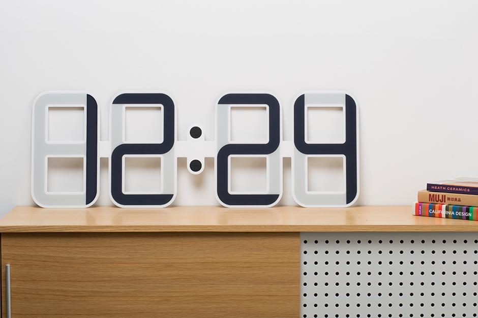 Оригинальные часы Twelve24 ClockONE