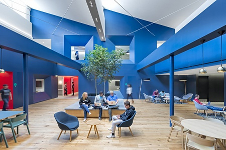 Яркие цвета новой штаб-квартиры Beats by Dre