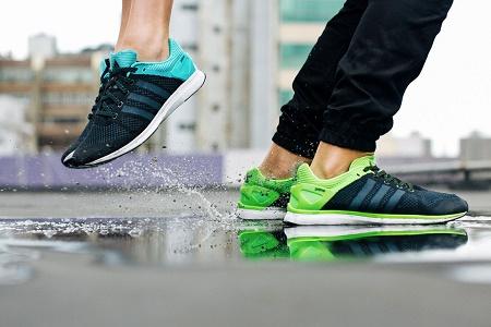 Детальные снимки кроссовок adidas adizero Feather Primeknit