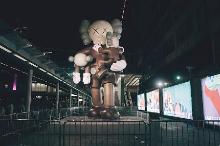 """Фотоотчет с выставки KAWS """"CLEAN SLATE"""" в Гонконге"""