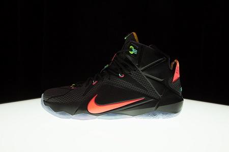 Кроссовки Nike LeBron 12