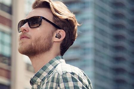 Motorola выпустит новую Bluetooth-гарнитуру Moto Hint