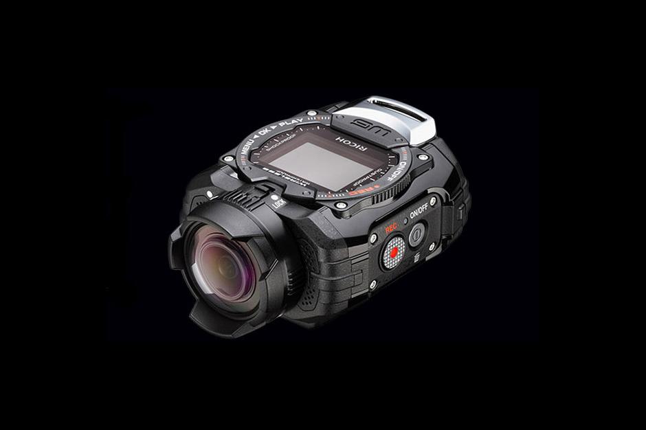 Pentax выпускает защищенную камеру необычной формы Ricoh WG-M1
