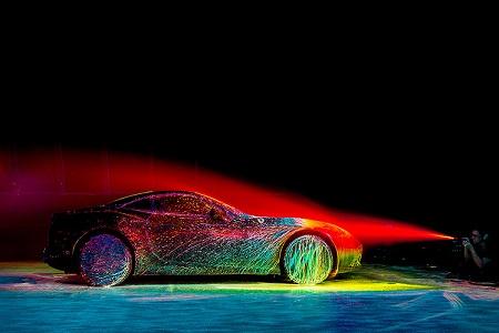 Фотограф показал динамичность Ferrari с помощью красок