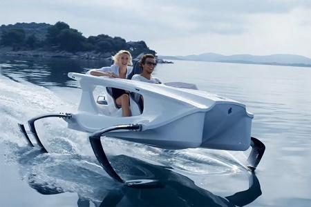 Компания Quadrofoil построила электрогидроцикл на подводных крыльях