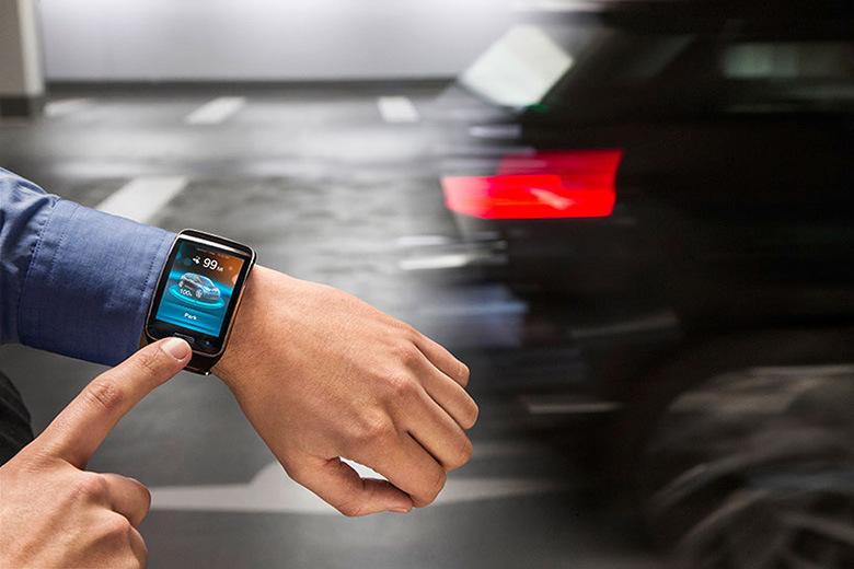 BMW разработала приложения для Samsung SmartWatch
