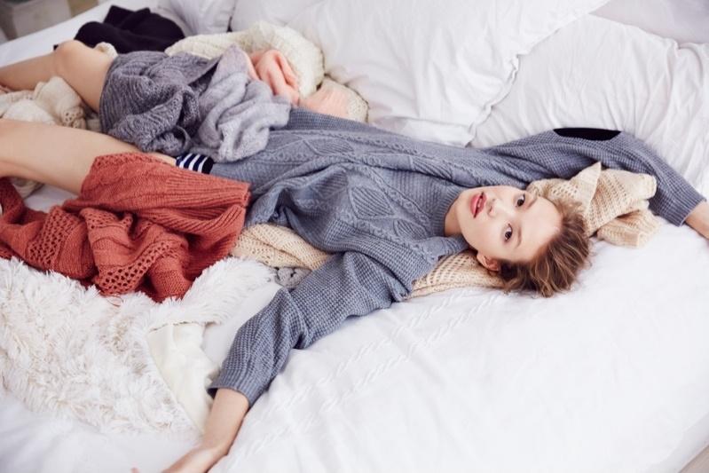 Екатерина Плотникова в зимней фотосессии Urban Outfitters 2014