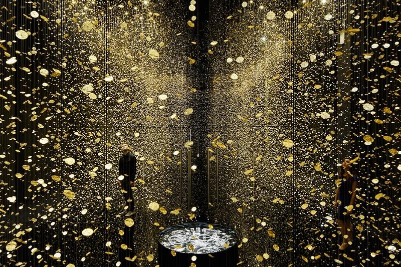 В Токио открылась арт-инсталляция из 80 тысяч циферблатов