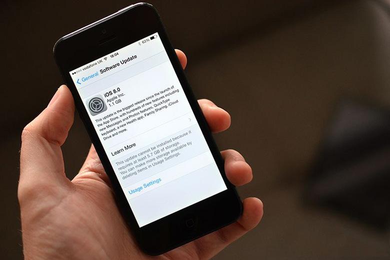 Apple обвинили в сокрытии информации о реальном размере iOS 8