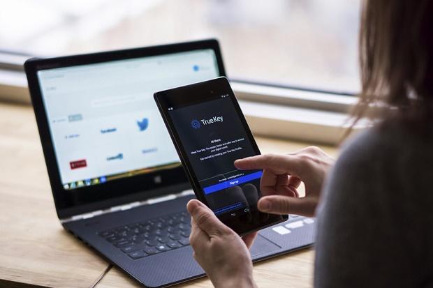 Intel анонсировала True Key – программу для распознавания владельца по лицу