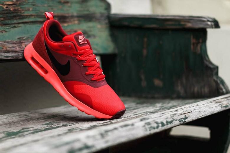 "Кроссовки Nike Air Max Tavas ""University Red"""