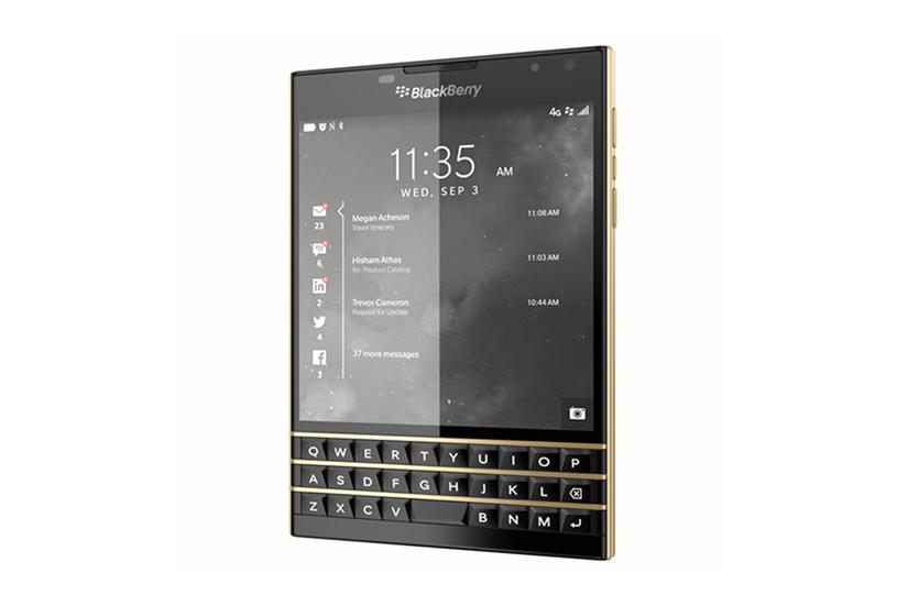 """Представлен смартфон ограниченной серии Blackberry Passport """"Black and Gold"""""""
