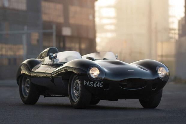 Винтажный 1955 Jaguar D-Type стимостью 4 млн. долларов