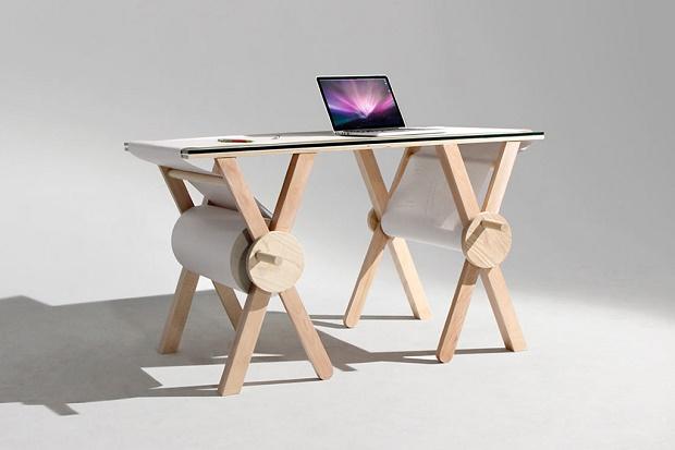 Стол Analog Desk от Кирстена Камара