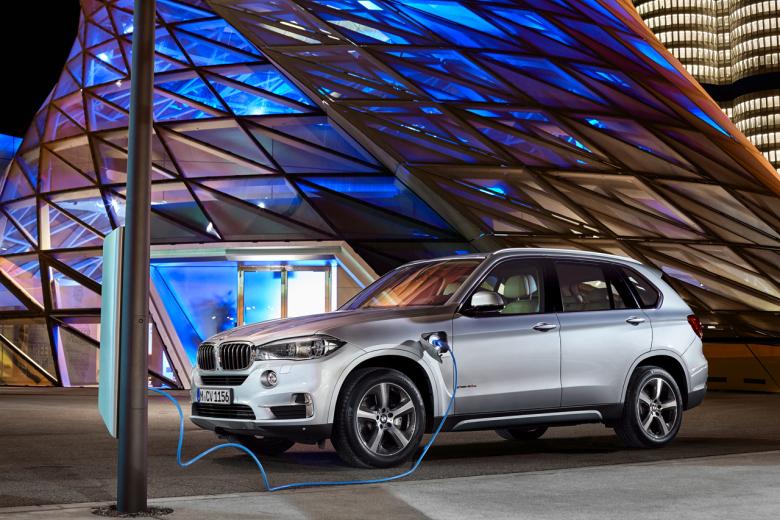BMW показала гибрид X5 xDrive40e в Нью-Йорке