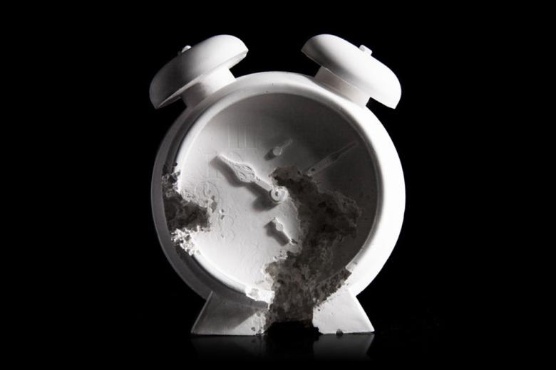 Даниэль Аршам представил новую скульптуру 'Future Relic 03 - Clock'