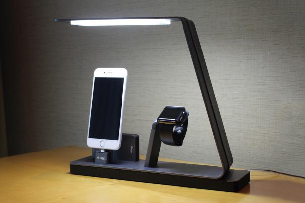 Apple iPhone и Apple Watch может зарядить лампа